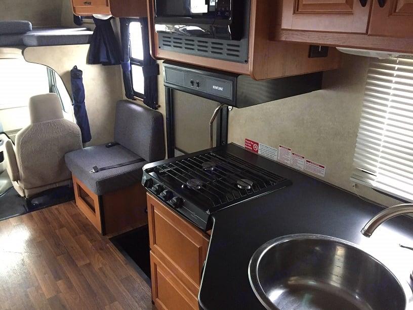 kitchen looking forward passenger side. Thor International Majestic 2013