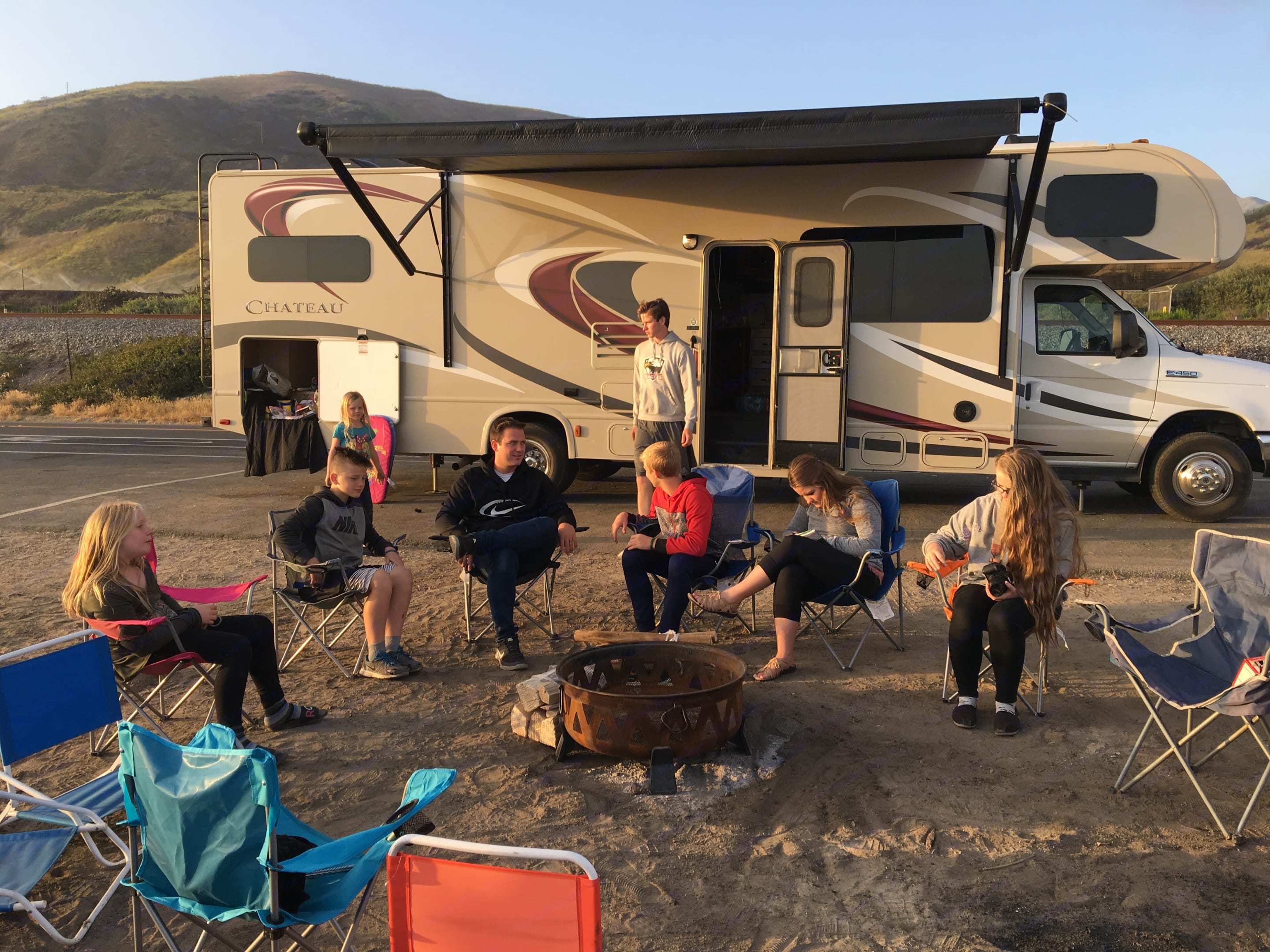 Camping by the beach . Thor Motor Coach Chateau 2015