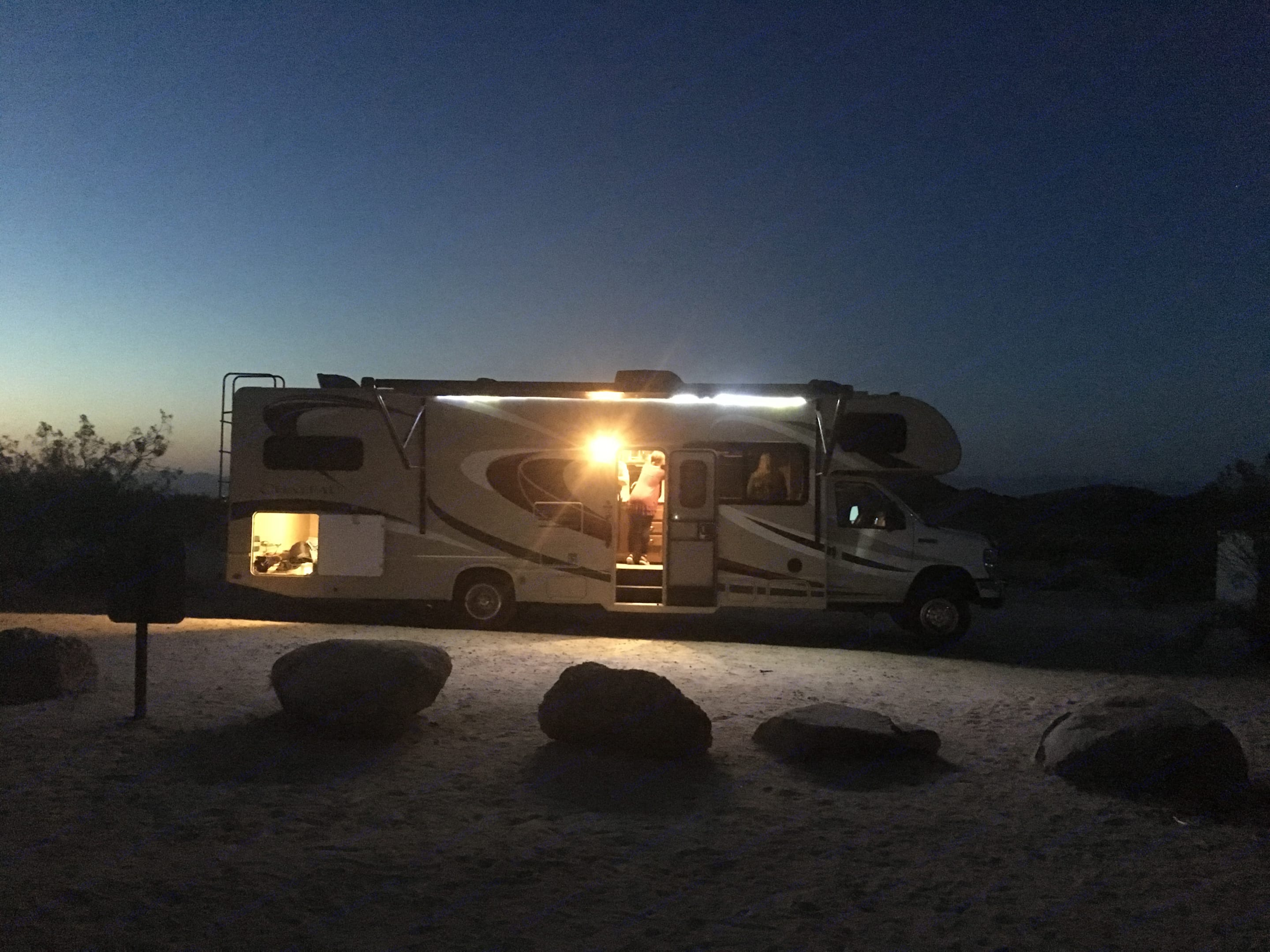 Desert camping . Thor Motor Coach Chateau 2015