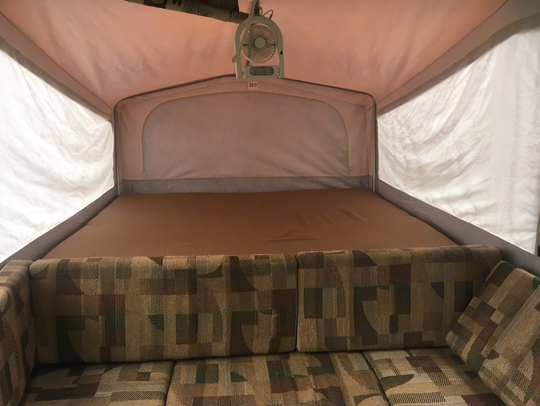 King bunk. . Jayco Qwest 2003