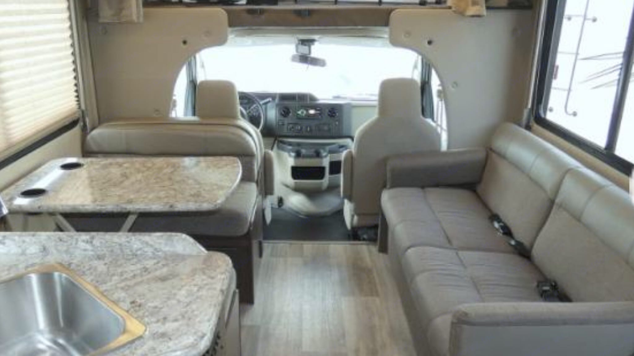 Plenty of room for a family!  There's also a bunk above the cab.. Thor Motor Coach Four Winds 2018