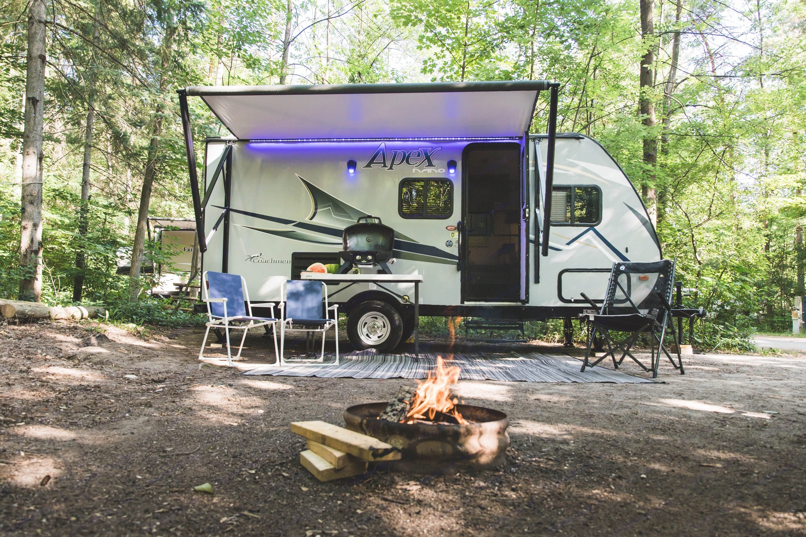 Enjoy nature with all the comforts of home.. Apex Nano 185BH 2019