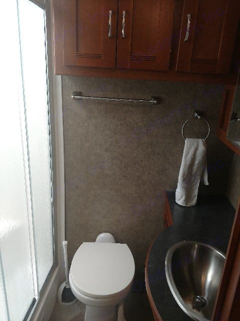 Bathroom with shower. Winnebago Forza 2016