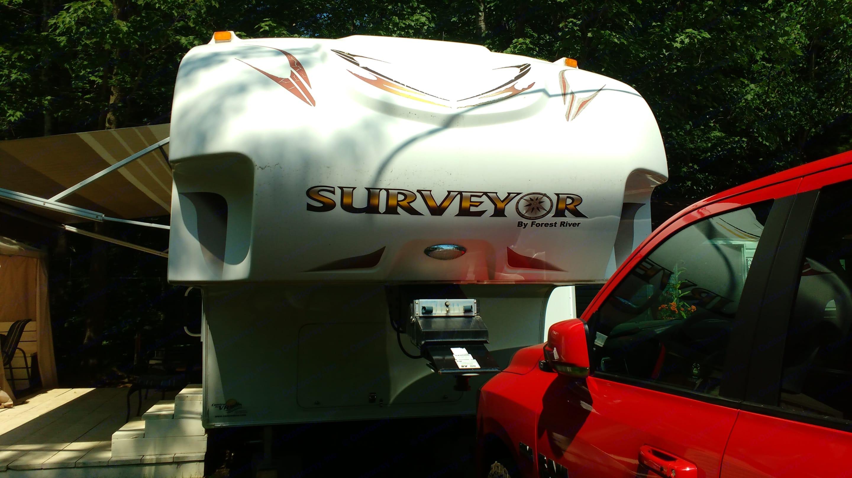 surveyor 260BH 2010