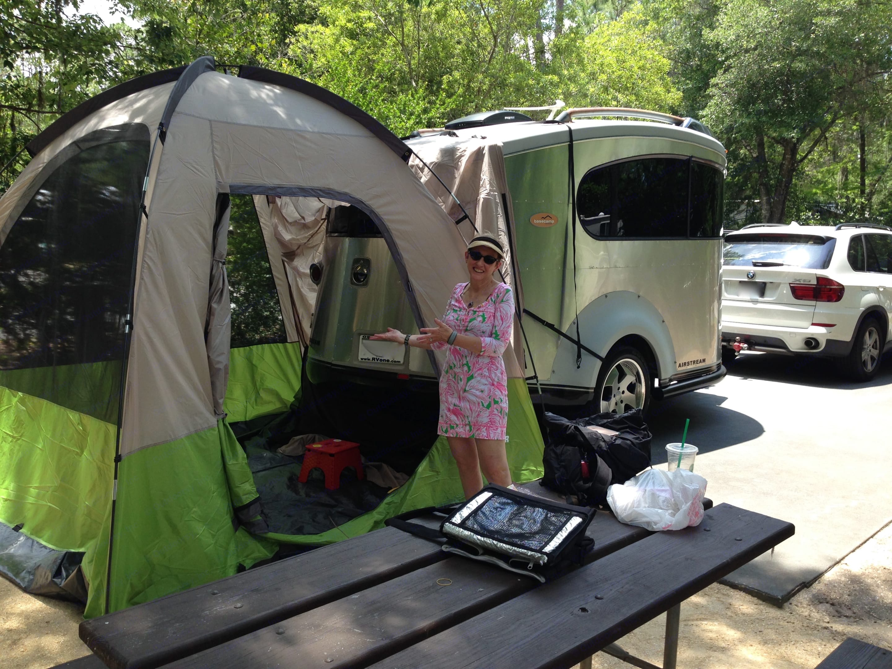 Light towing and easy set up with or without an awning or extension tent. . Airstream Base Camp 2007