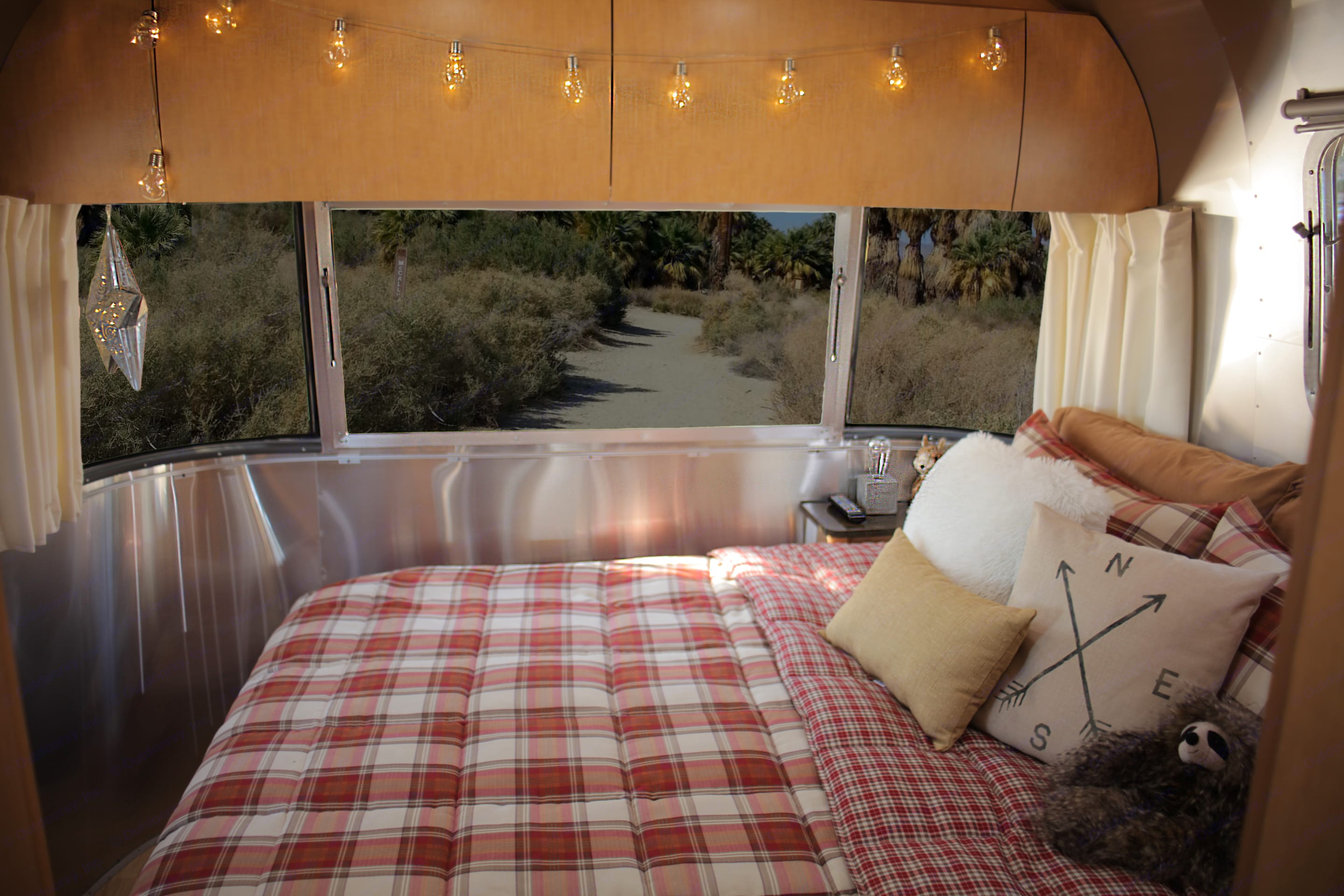 I love waking up, and sitting in bed enjoying the 180 degree view of unspoiled nature. . Airstream Flying Cloud 2016