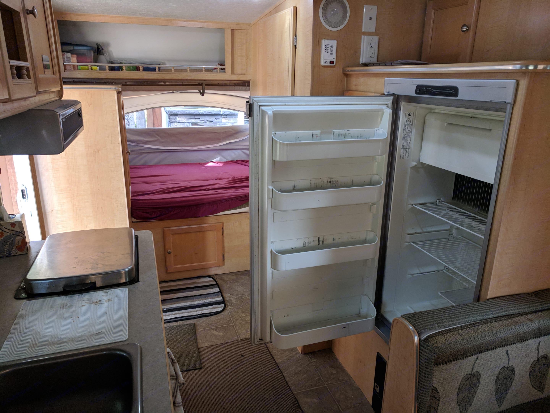 Fridge and freezer! . R-Vision bantam f-18 2006