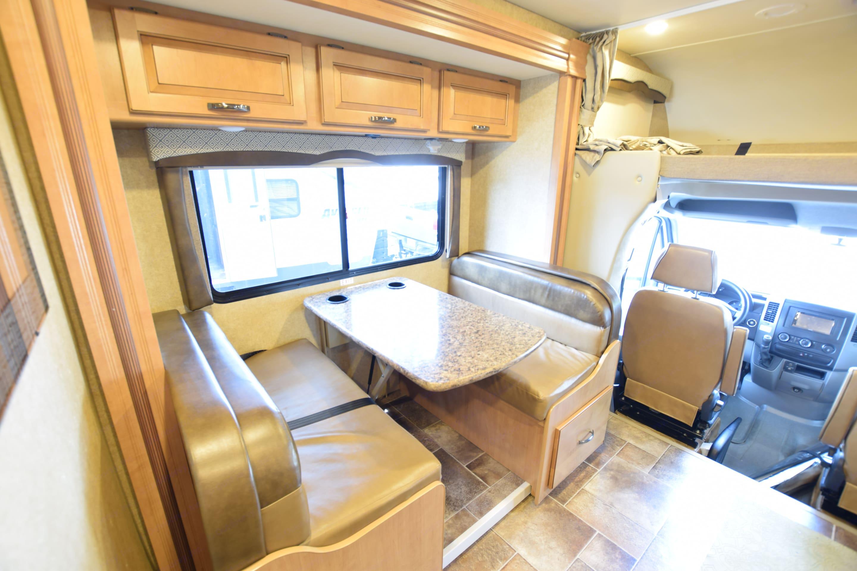 Dinette/Bed. Thor Motor Coach Chateau Citation Sprinter 2017