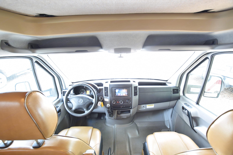 Cab area. Thor Motor Coach Chateau Citation Sprinter 2017