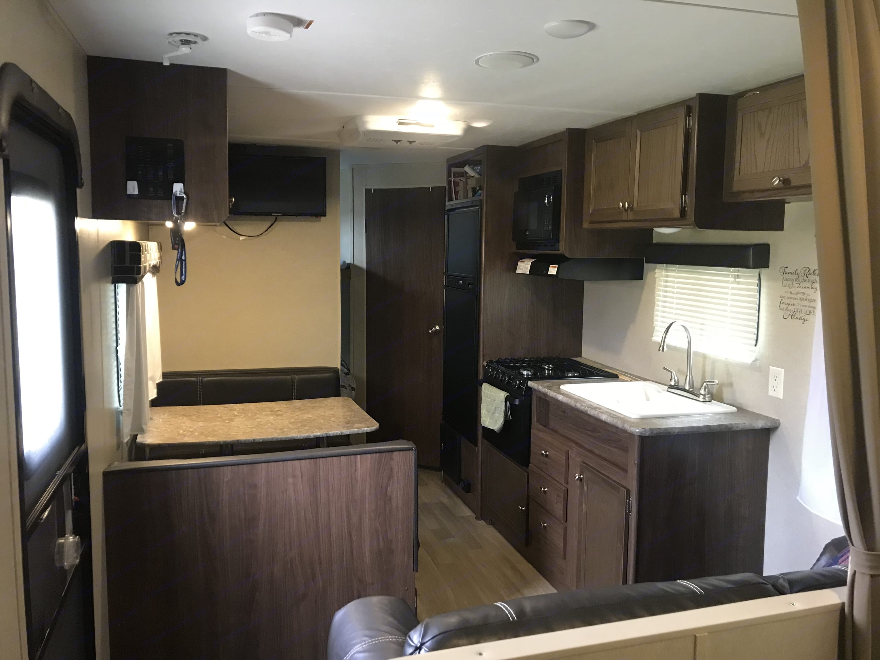 Dinette and Kitchen. Coleman Other 2016