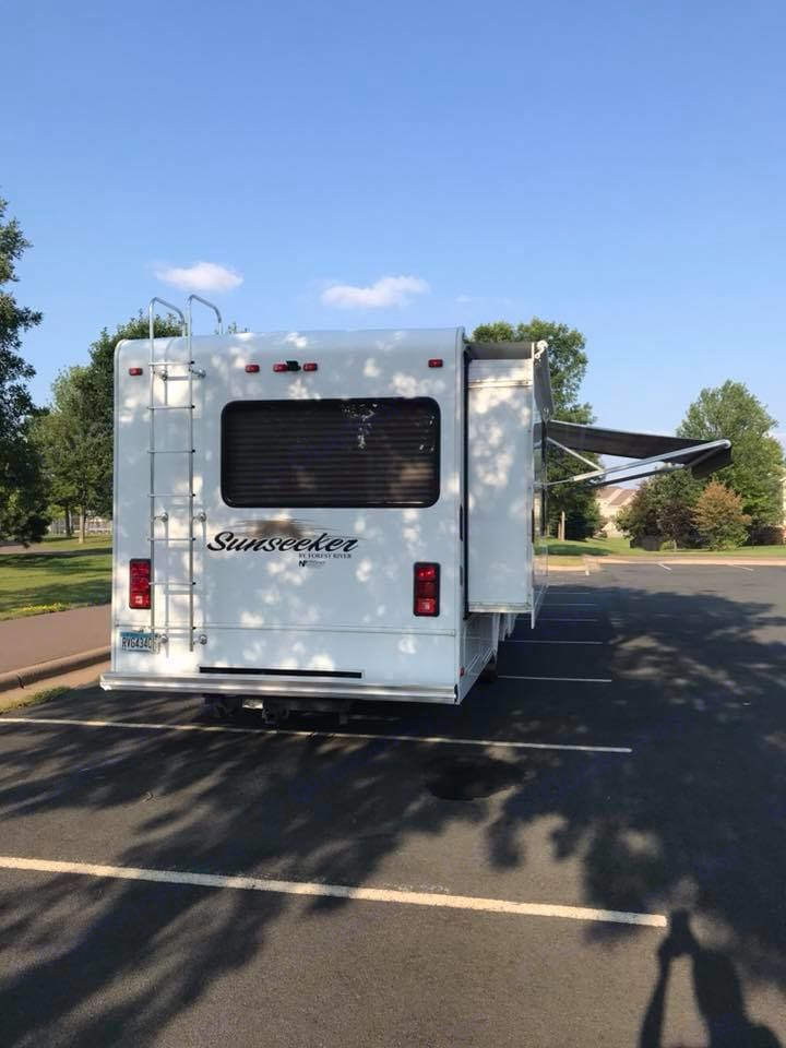 2 RV slide outs. Forest River Sunseeker 2014