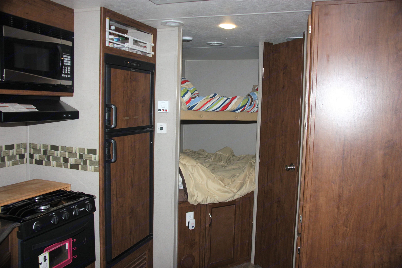 Twin bunk beds. Coachmen Freedom Express 2017