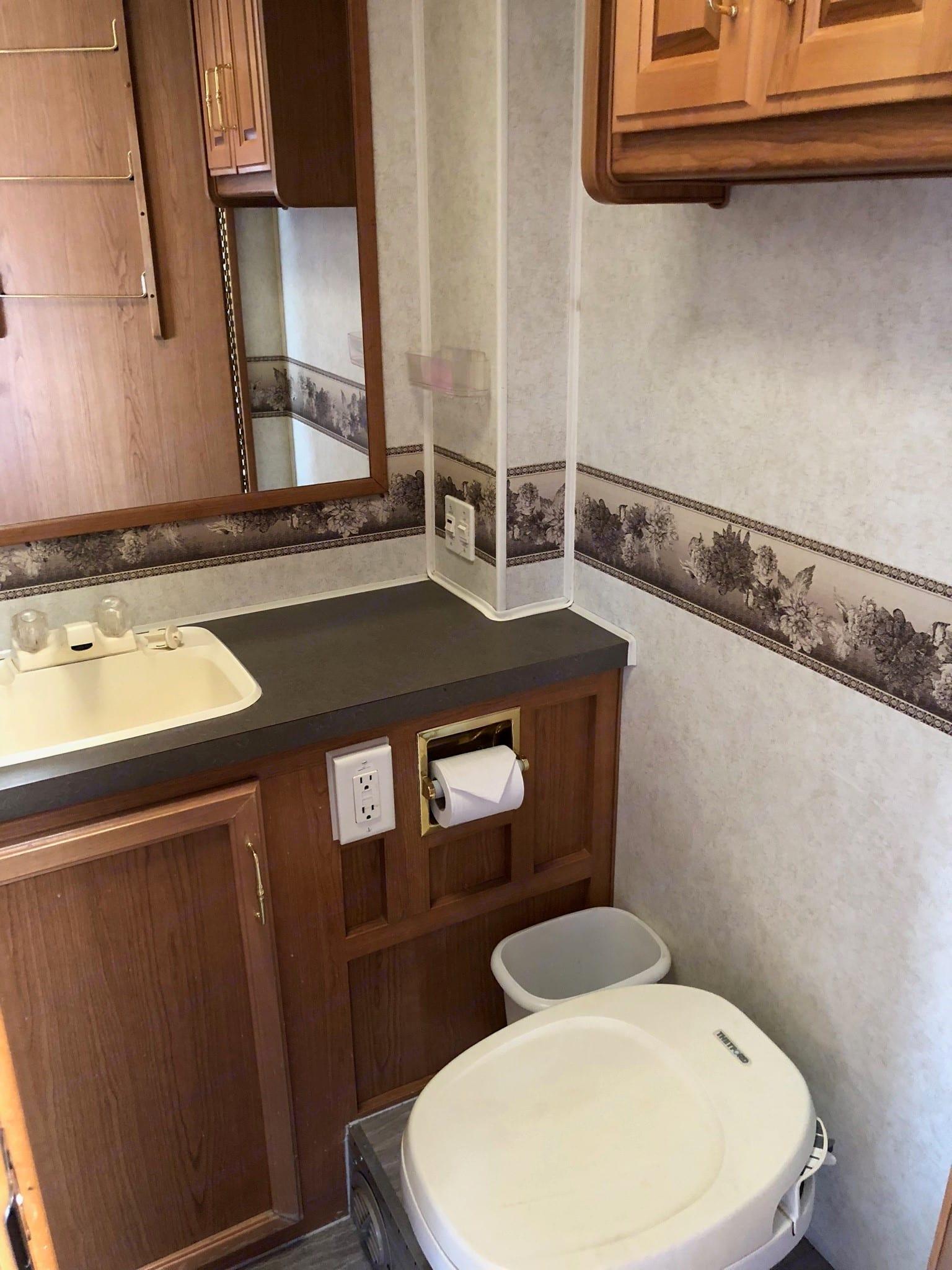 Perfect size bathroom.  . Fleetwood Tioga 2001
