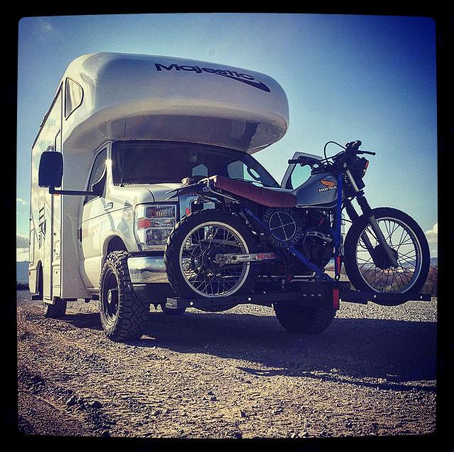 Near Lake Havasu. . Thor Motor Coach Four Winds Majestic 2010