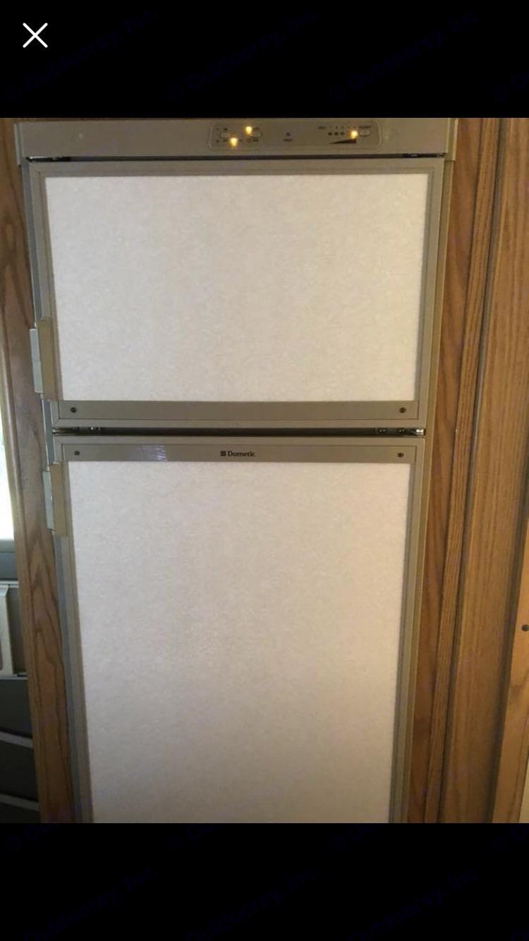 Refrigerator. Fleetwood Tioga 1996