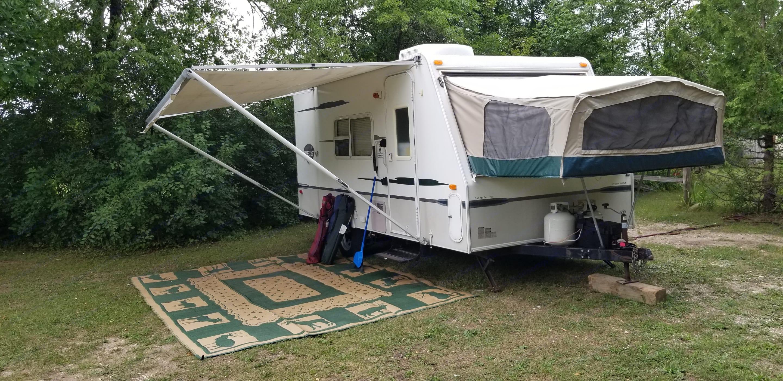 All set up ready to camp!. Starcraft 18SB 2004