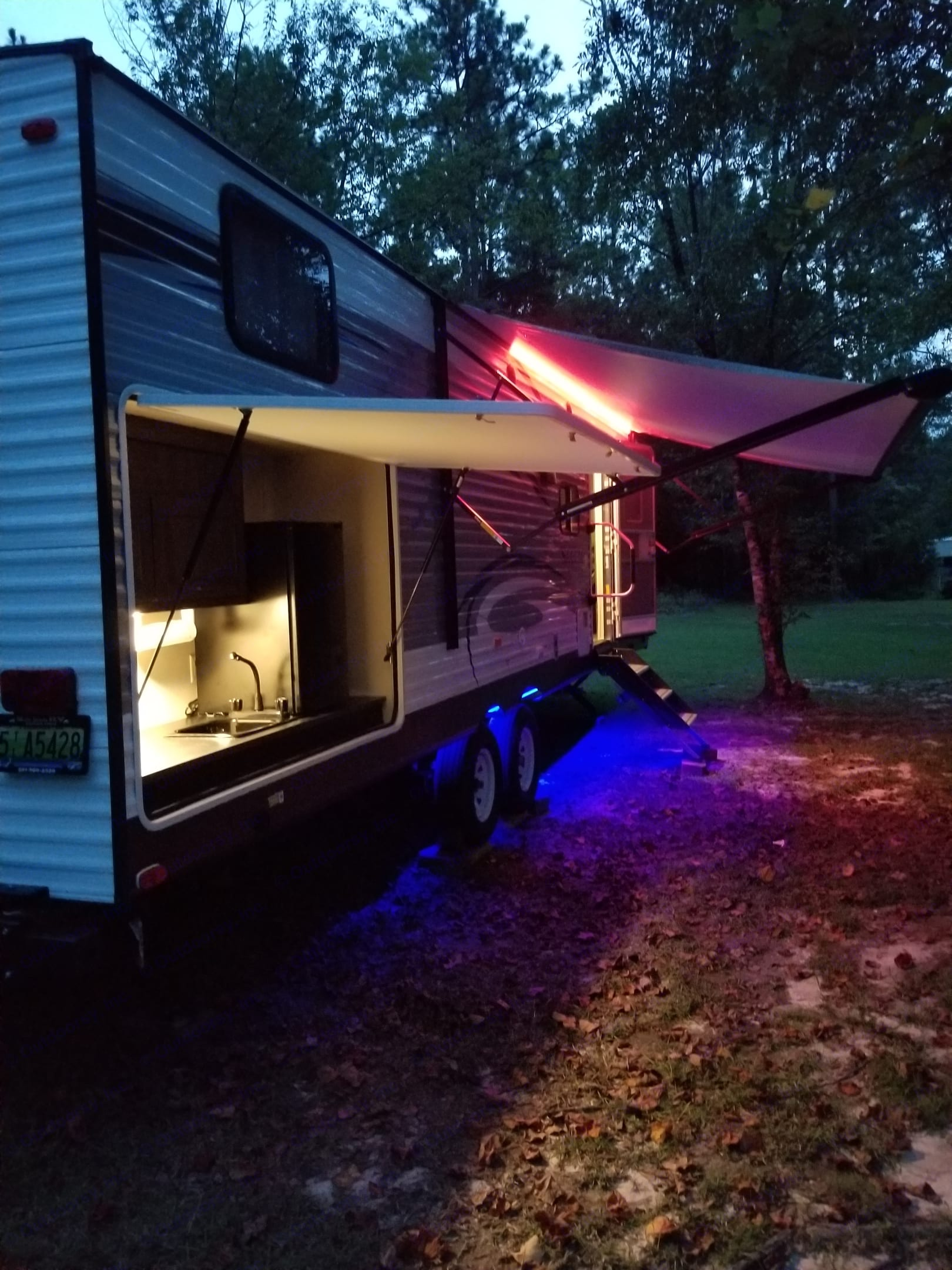 The night life can be enjoyed with as little or much lighting as you'd like. Can even make the top lights flash like a disco. Bottom blue lights help to keep the critters away.. Forest River Salem 2018