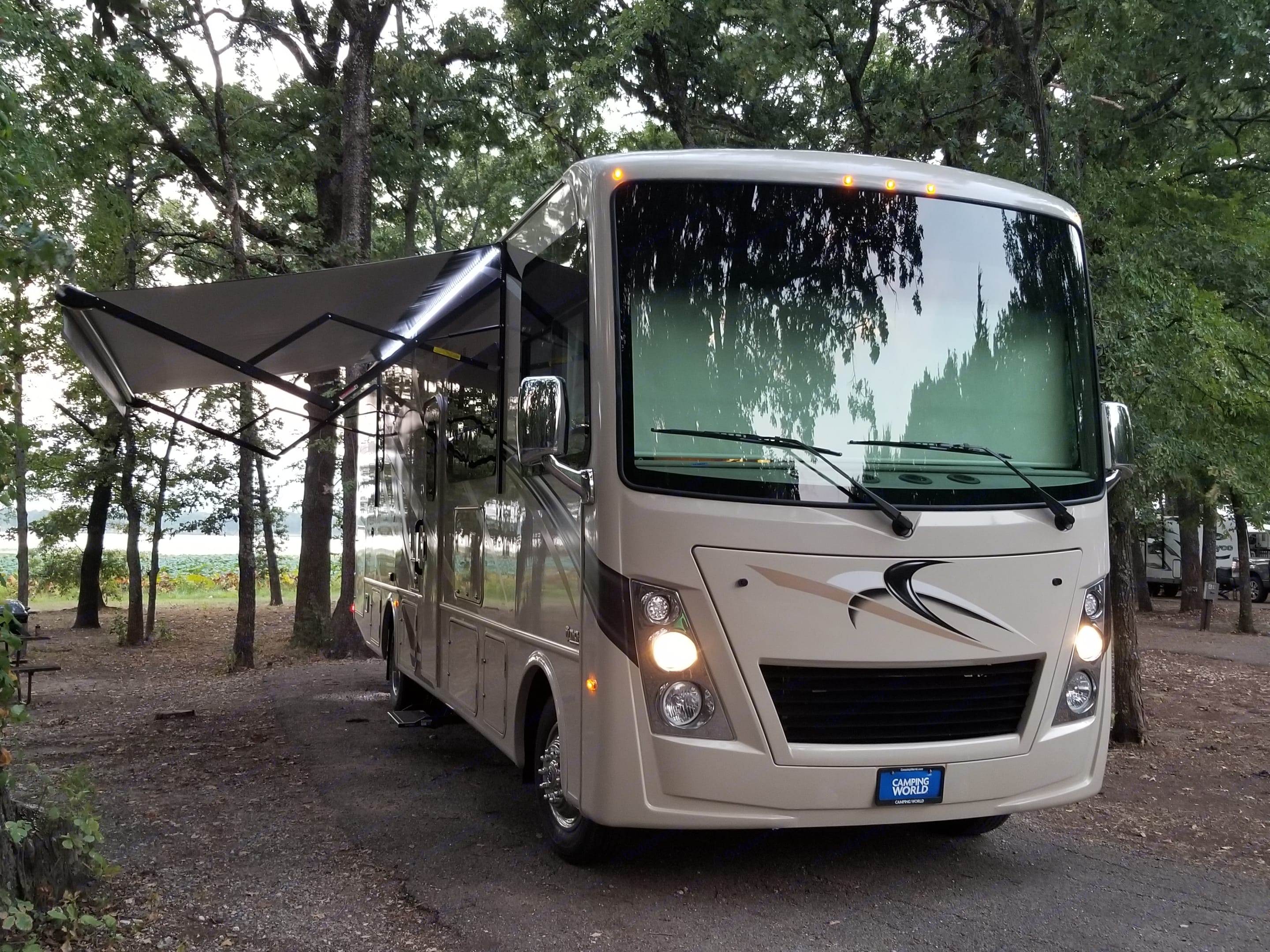 """Introducing """" Lucy"""" . Thor Motor Coach Freedom Traveler 2018"""
