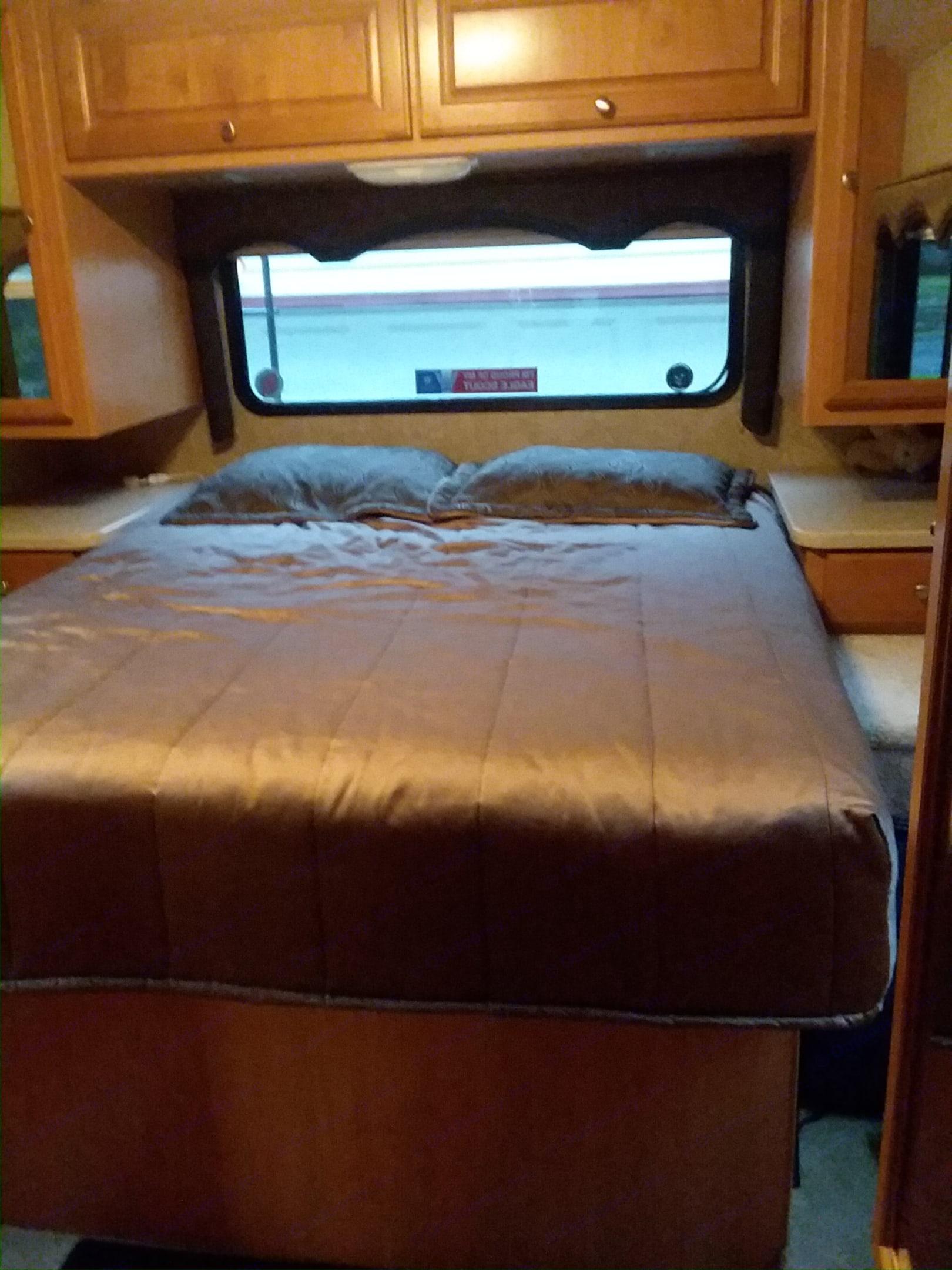 Queen Bed in Rear bedroom. Thor Motor Coach Windsport 2008