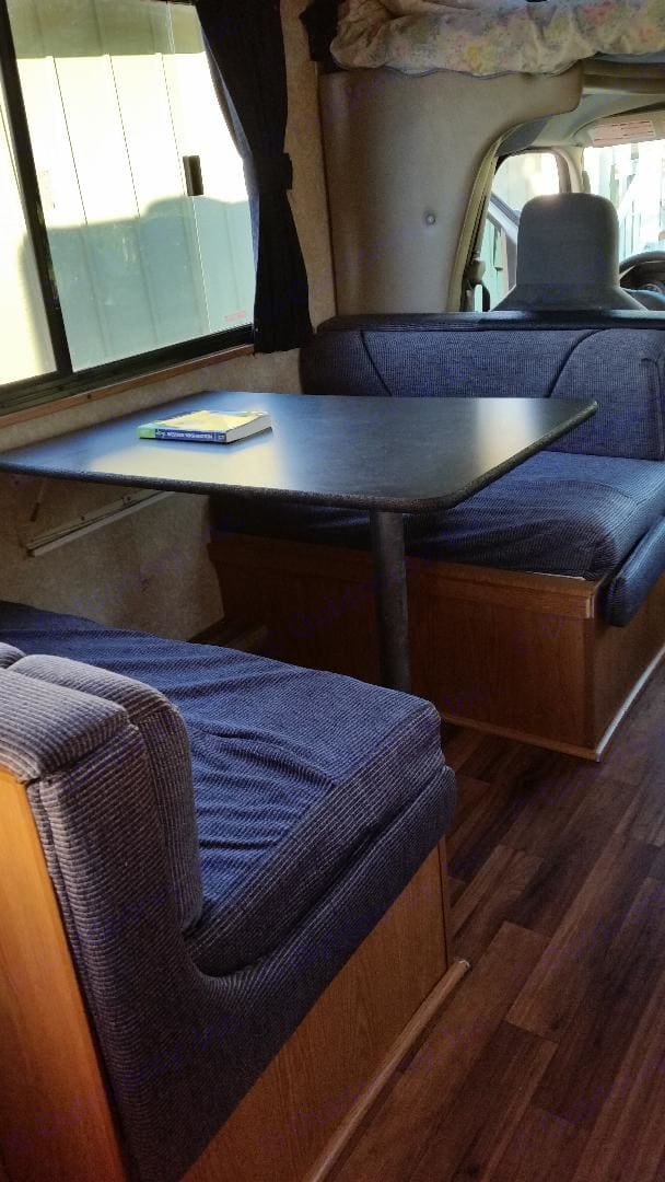 Dinette converts into a 2nd sleeping spot for anyone under 6ft. . Thor Motor Coach Four Winds Majestic 2010