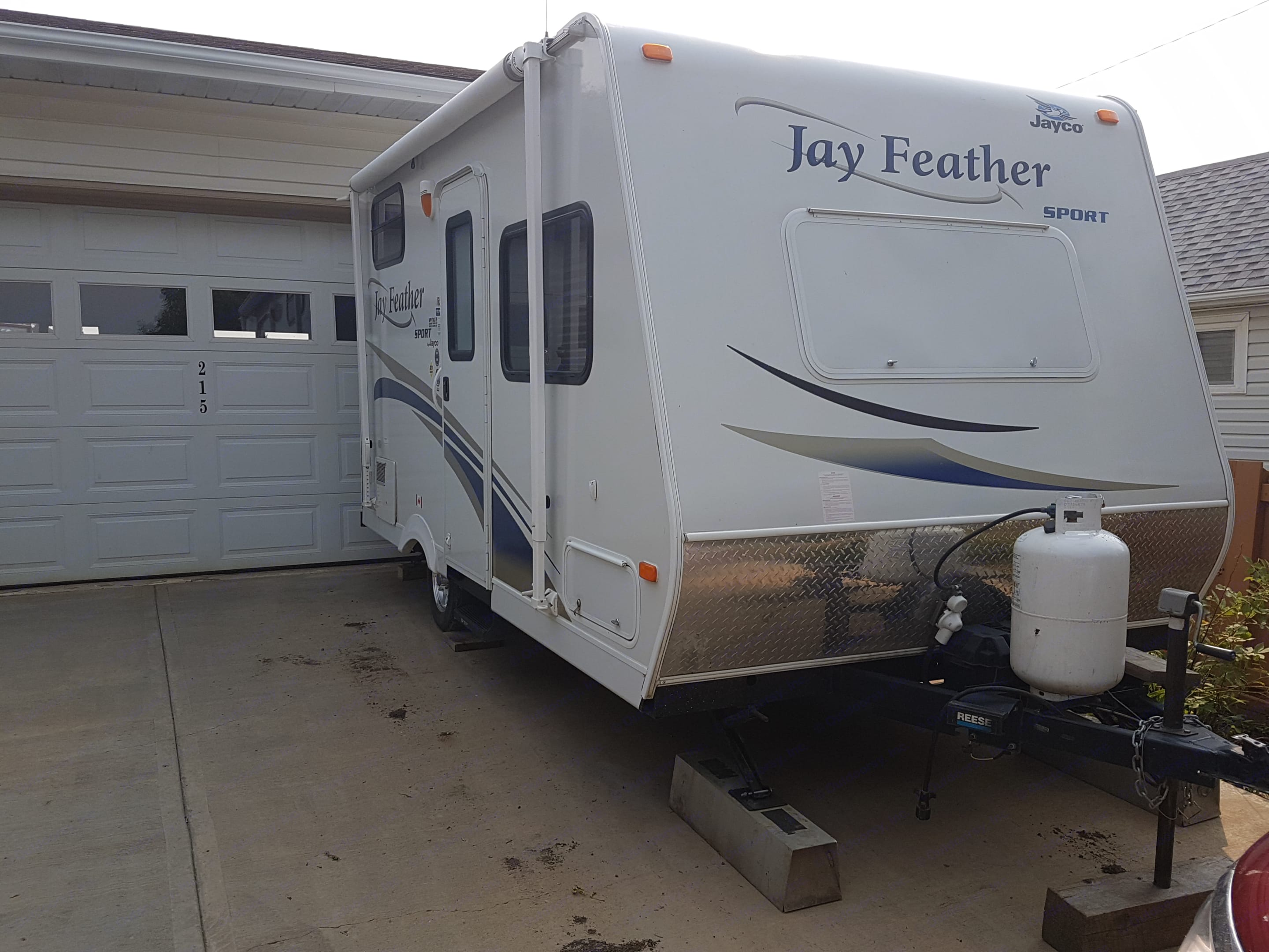 12 foot awning. 30lb propane bottle.. Jayco Jay Feather Sport 165 2011