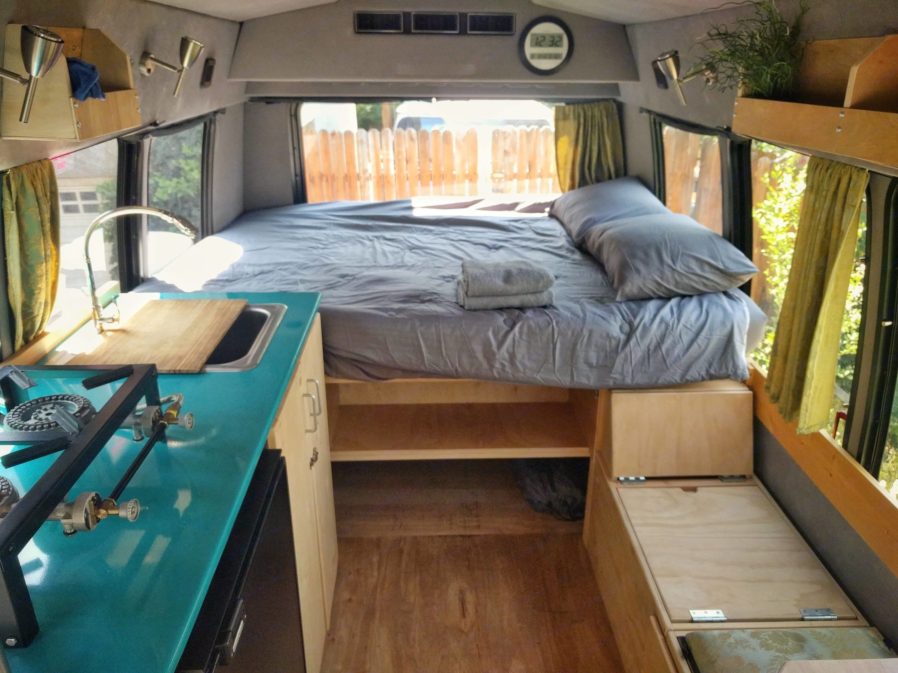 The real queen dual-density memory foam mattress is incredibly comfortable - you will sleep like a baby in it.. MightyVans.com 'Falcon' Two-Person Adventurevan 2008