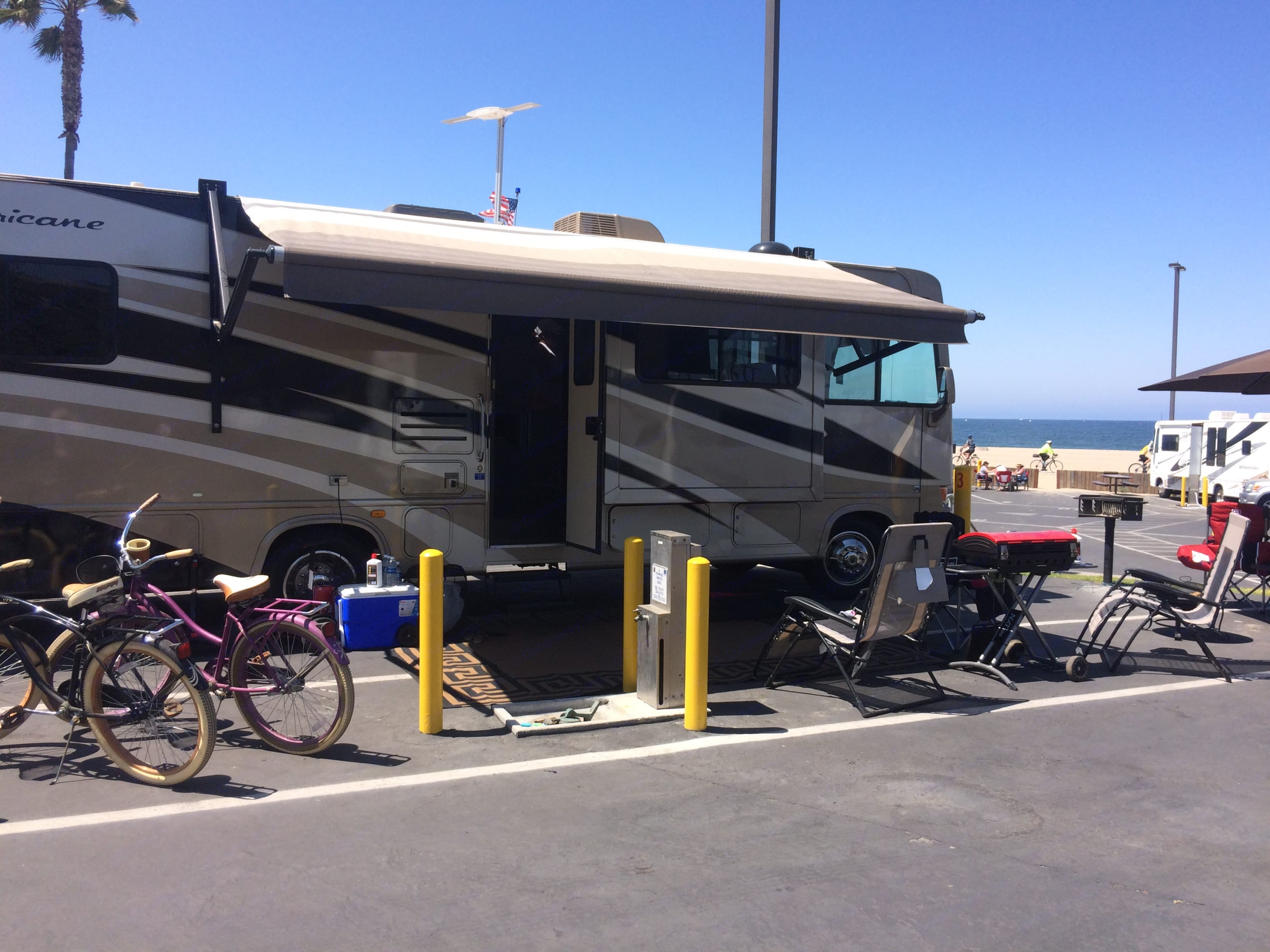 Great time at the beach!. Thor Motor Coach Hurricane 2009