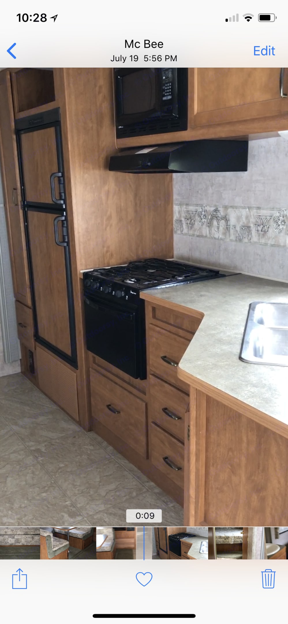 Great kitchen with counter space . Fleetwood Prowler Lynx 2006