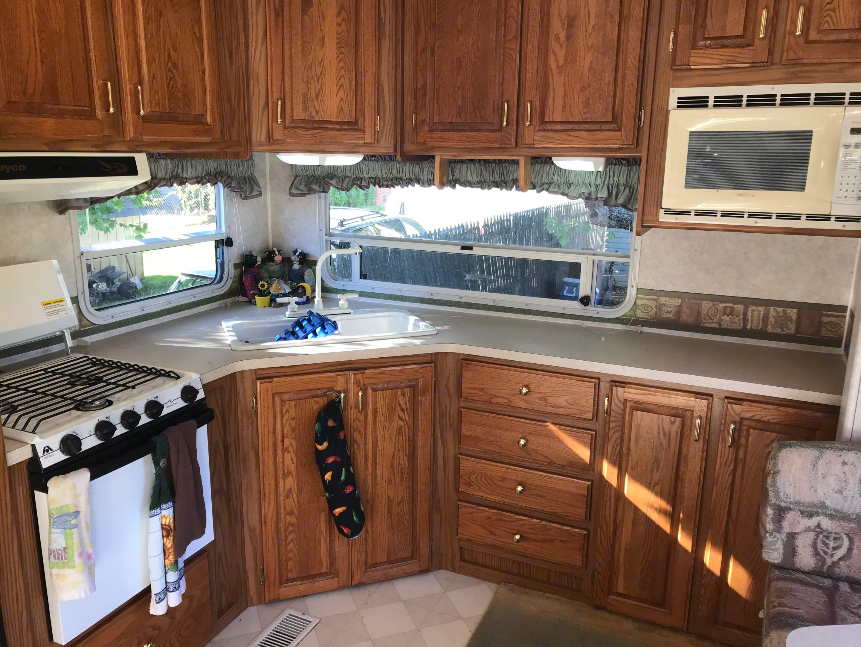 Spacious Kitchen. Jayco Designer 2001