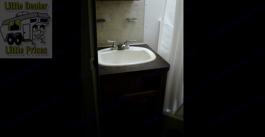 With stand up shower and toilet . Forest River Flagstaff Micro Lite 2014