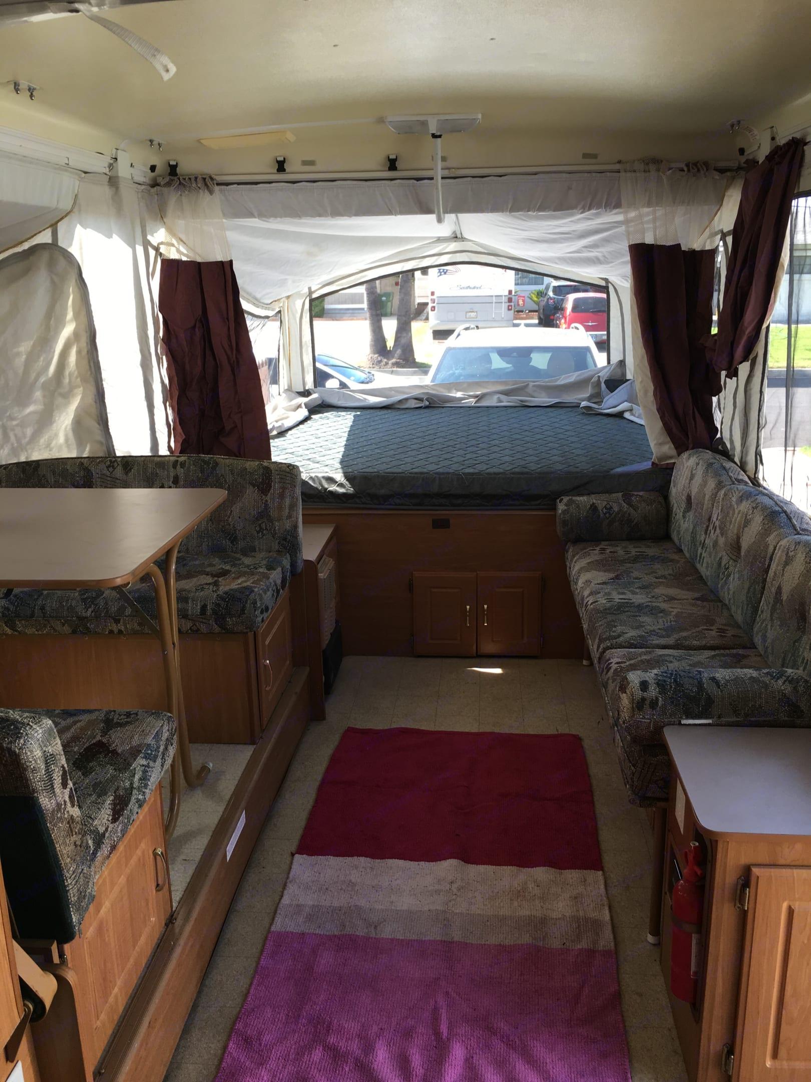 2nd king bed fits 2-4 people. Coleman fleetwood Utah 2002