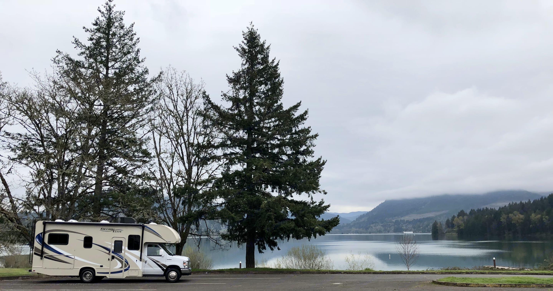 Dexter Lake . Thor Motor Coach Freedom Elite 2018