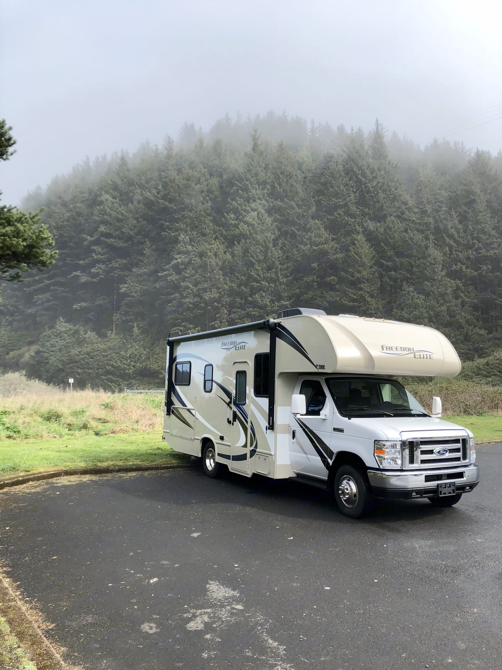 Day-Use sites will never be the same. Thor Motor Coach Freedom Elite 2018