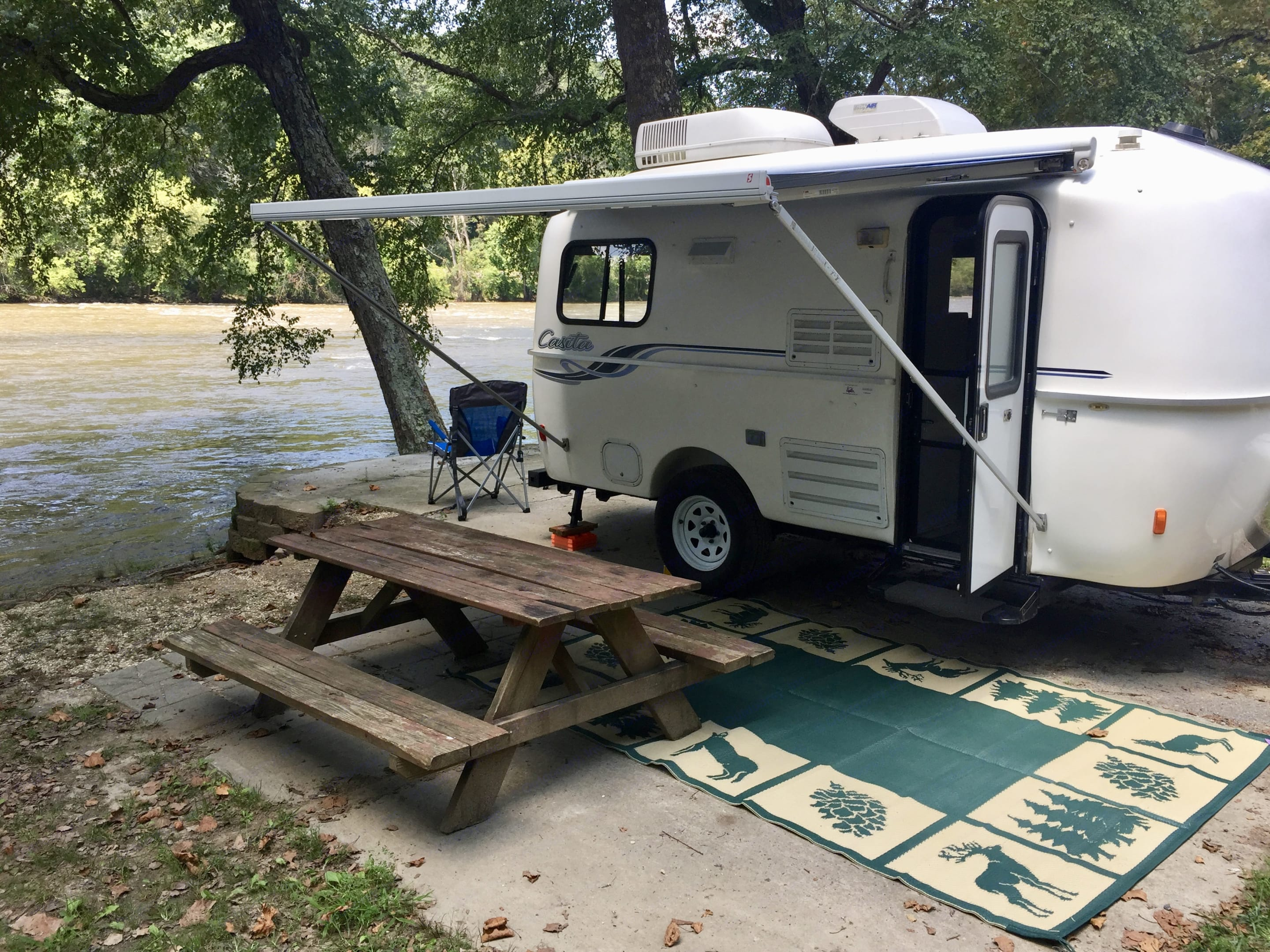 Camping by the French Broad River. Casita 17' Spirit Deluxe 2011
