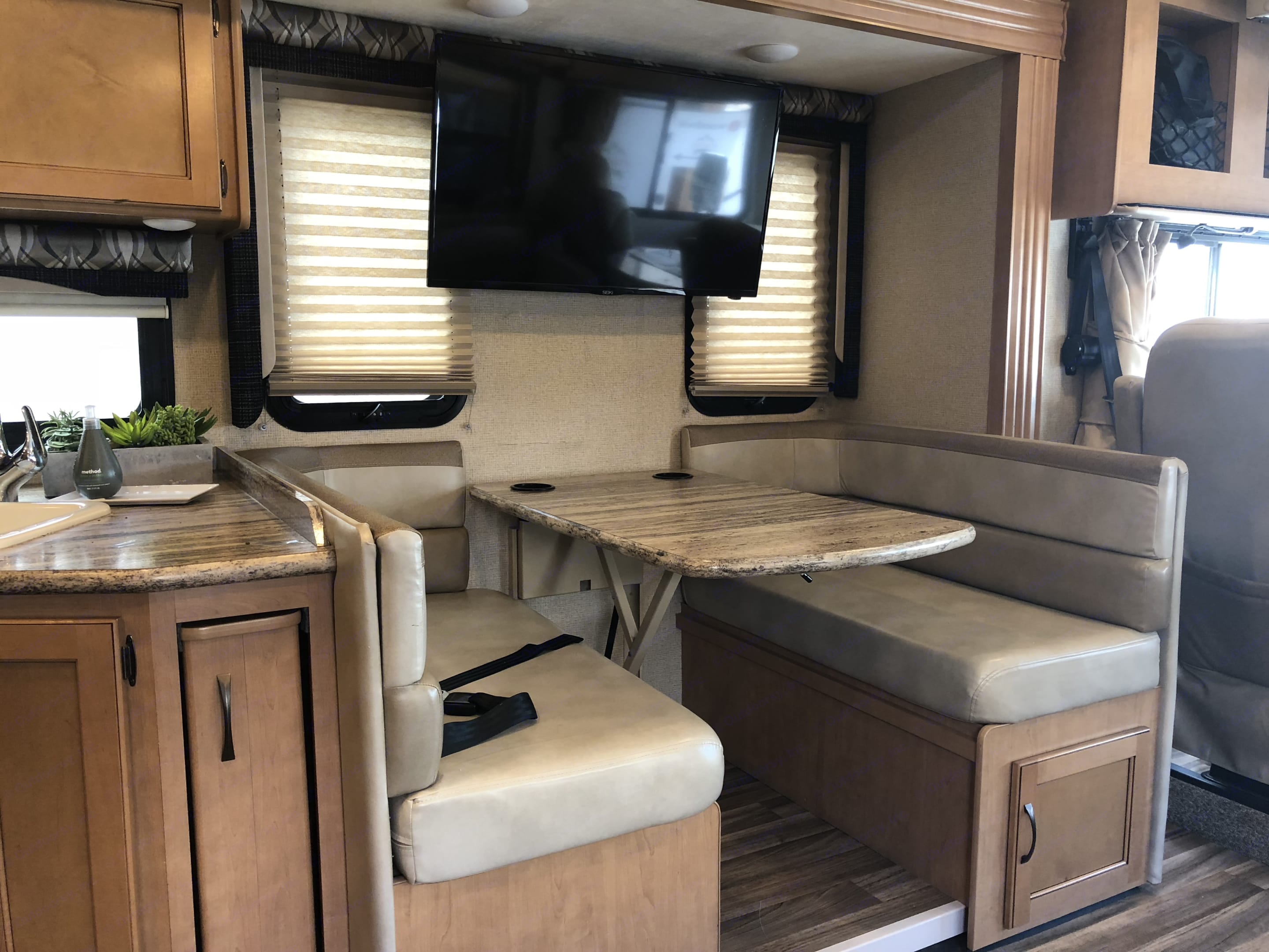 Dining and entertainment area . Thor Motor Coach A.C.E 2017