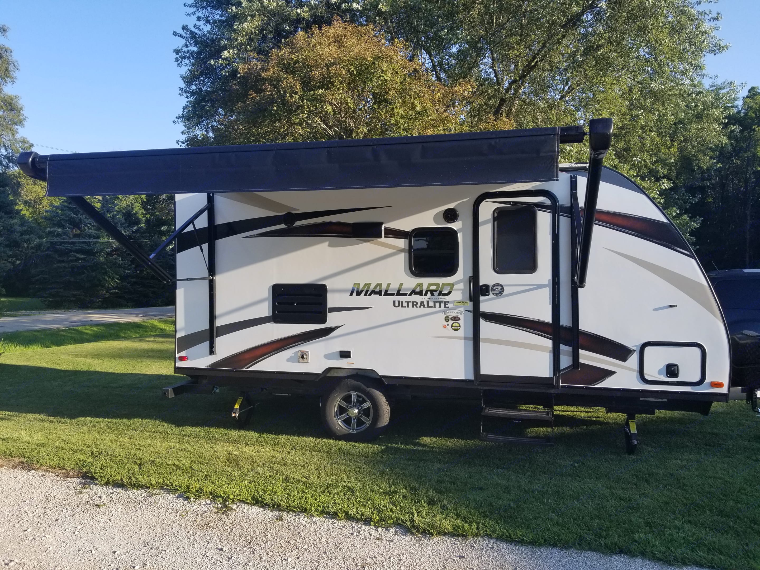 Right Outside with Awning Out. Heartland M185 2018