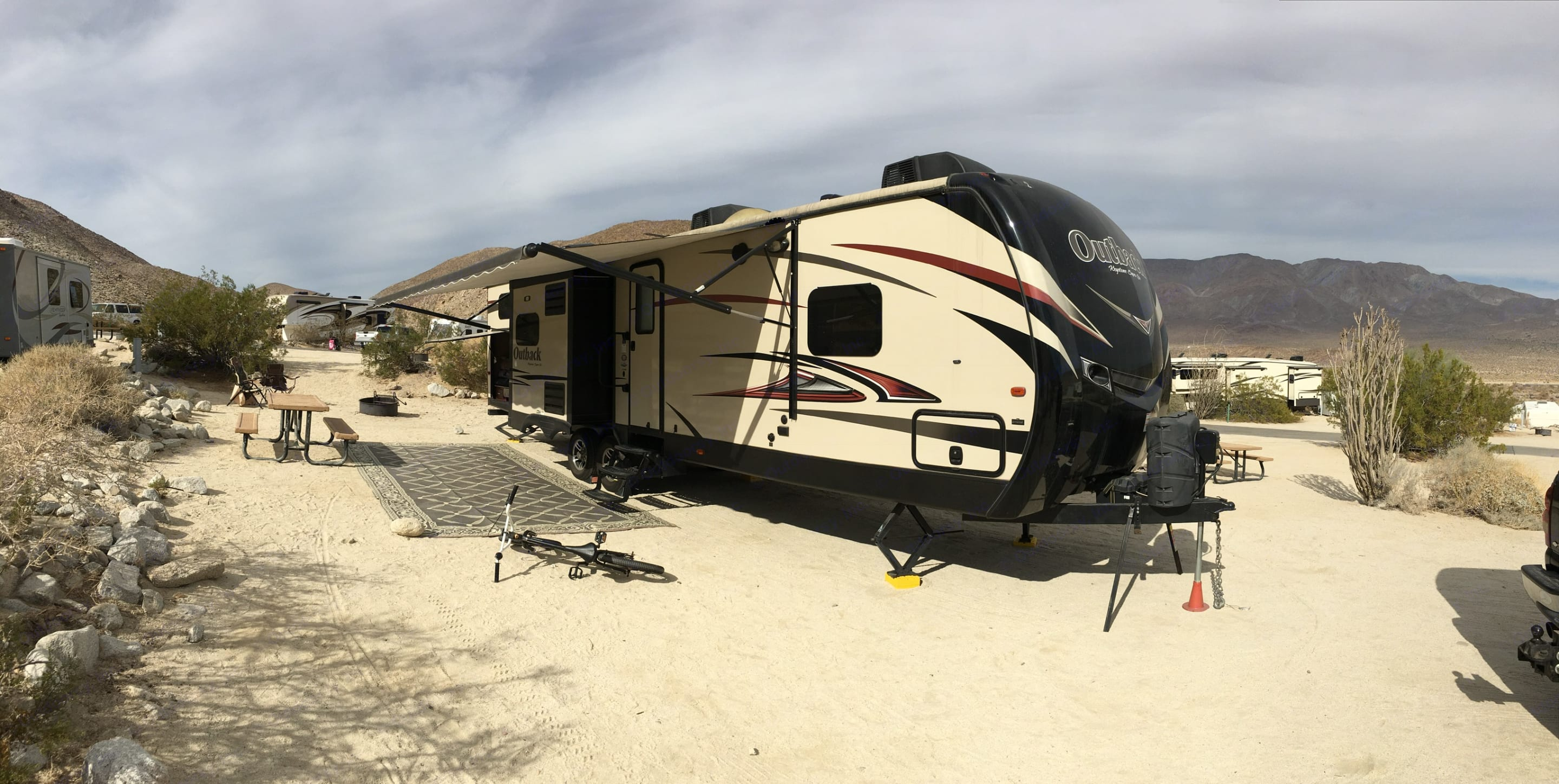 Desert camping at Agua Caleinte county park in Julian . Keystone Outback 2015