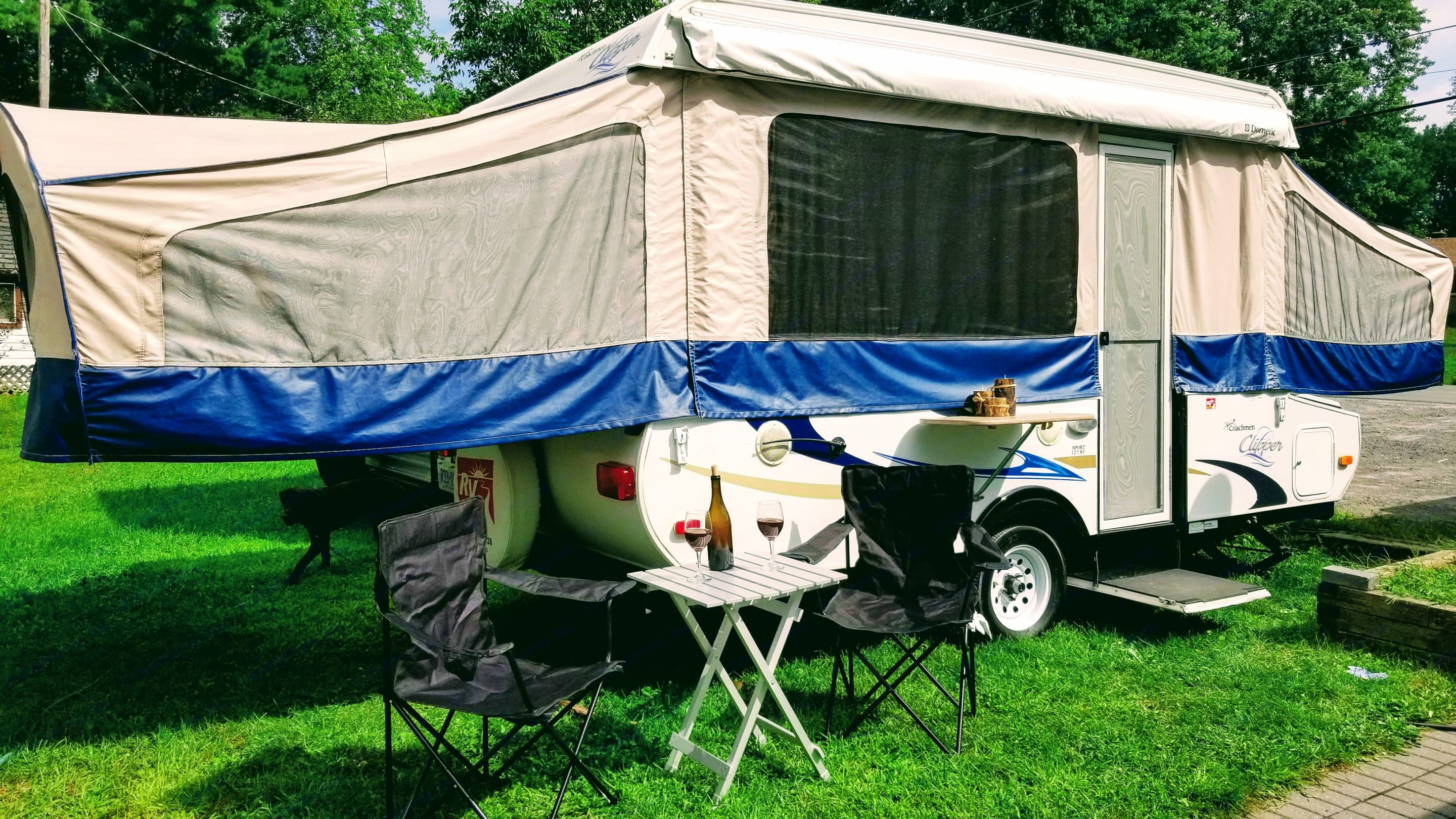 Beautifully Maintained Tent Trailer.. Coachmen Clipper 2011