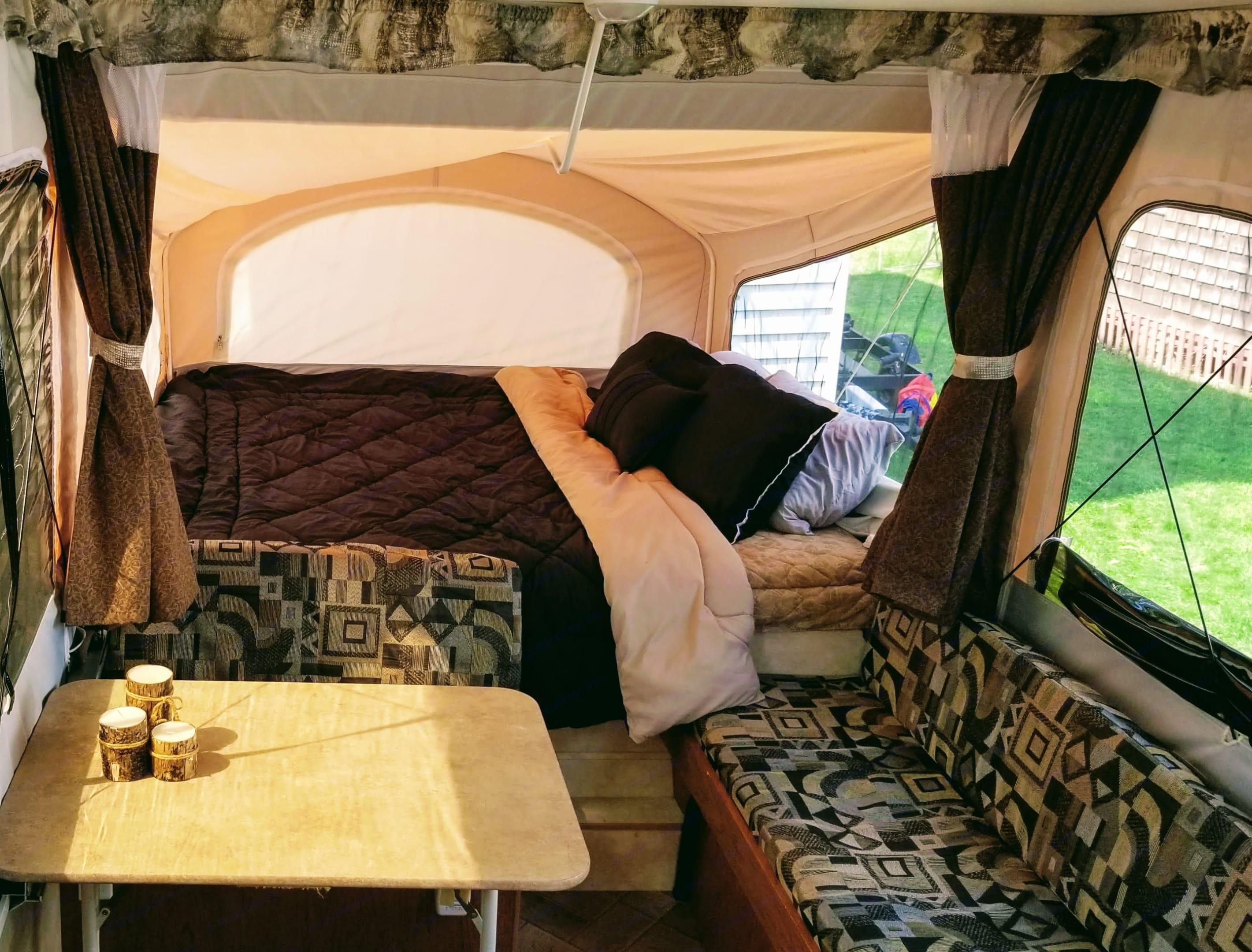 Bench converts into a single bed.. Coachmen Clipper 2011