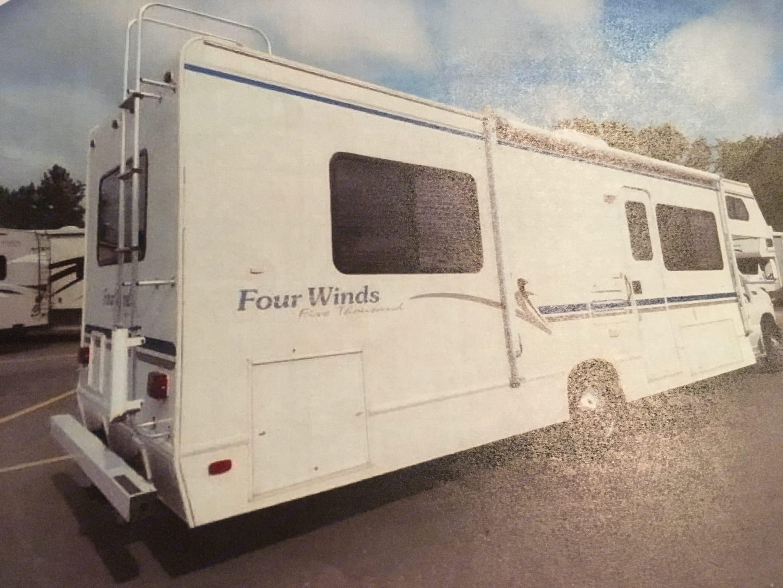 Ford Fourwinds 2002