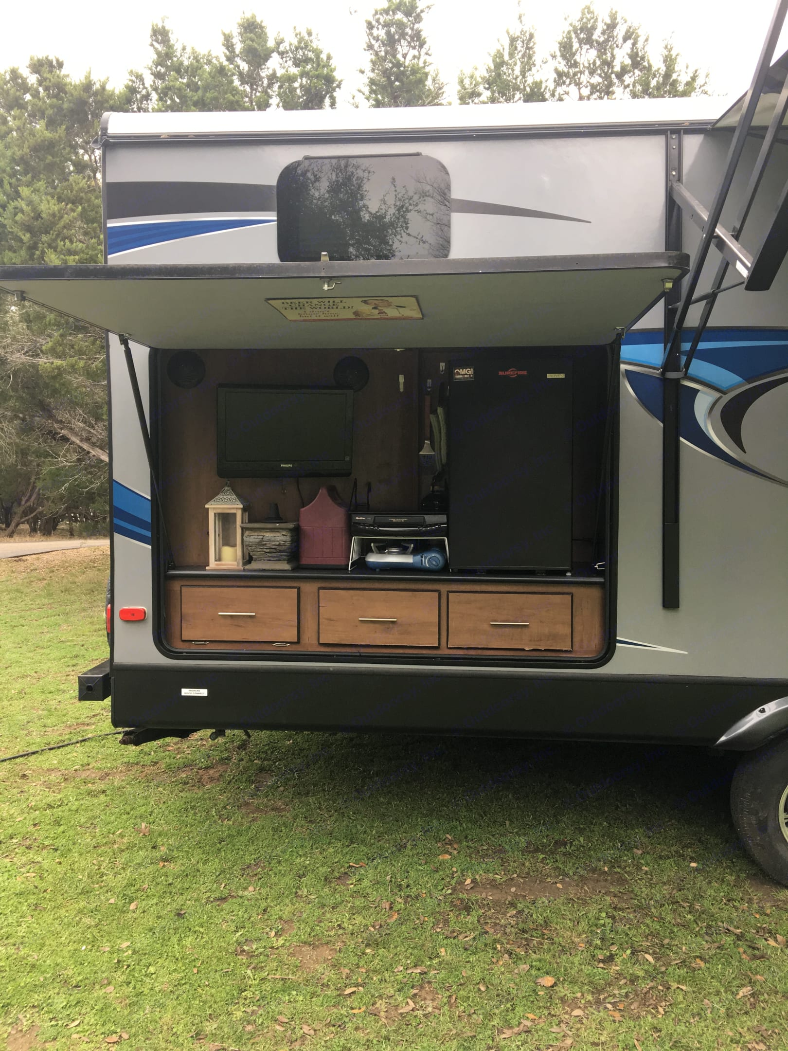 Outdoor entertainment with stove top . Aerolite Travel Trailer 2014