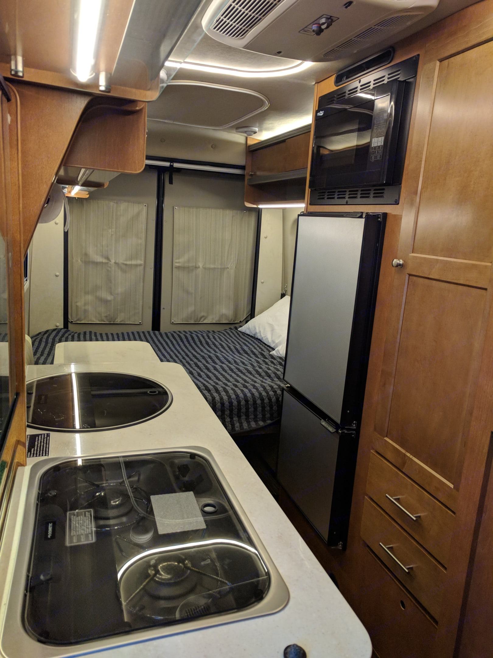 Bed turns into a four person dinette with four legal seat belts for extra passengers. Comfortably sleeps 2 adults. Winnebago Paseo 2018