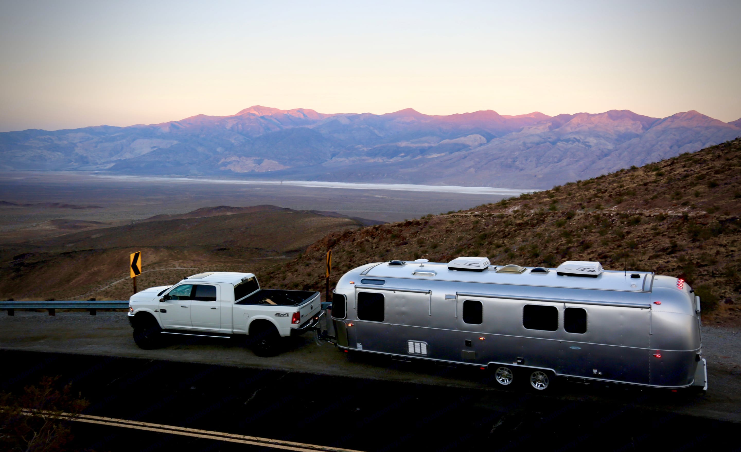Imagine your self on the open road going places you always dreamed of in the ultimate style and comfort of 2018 Airstream classic :). Airstream Classic 2018