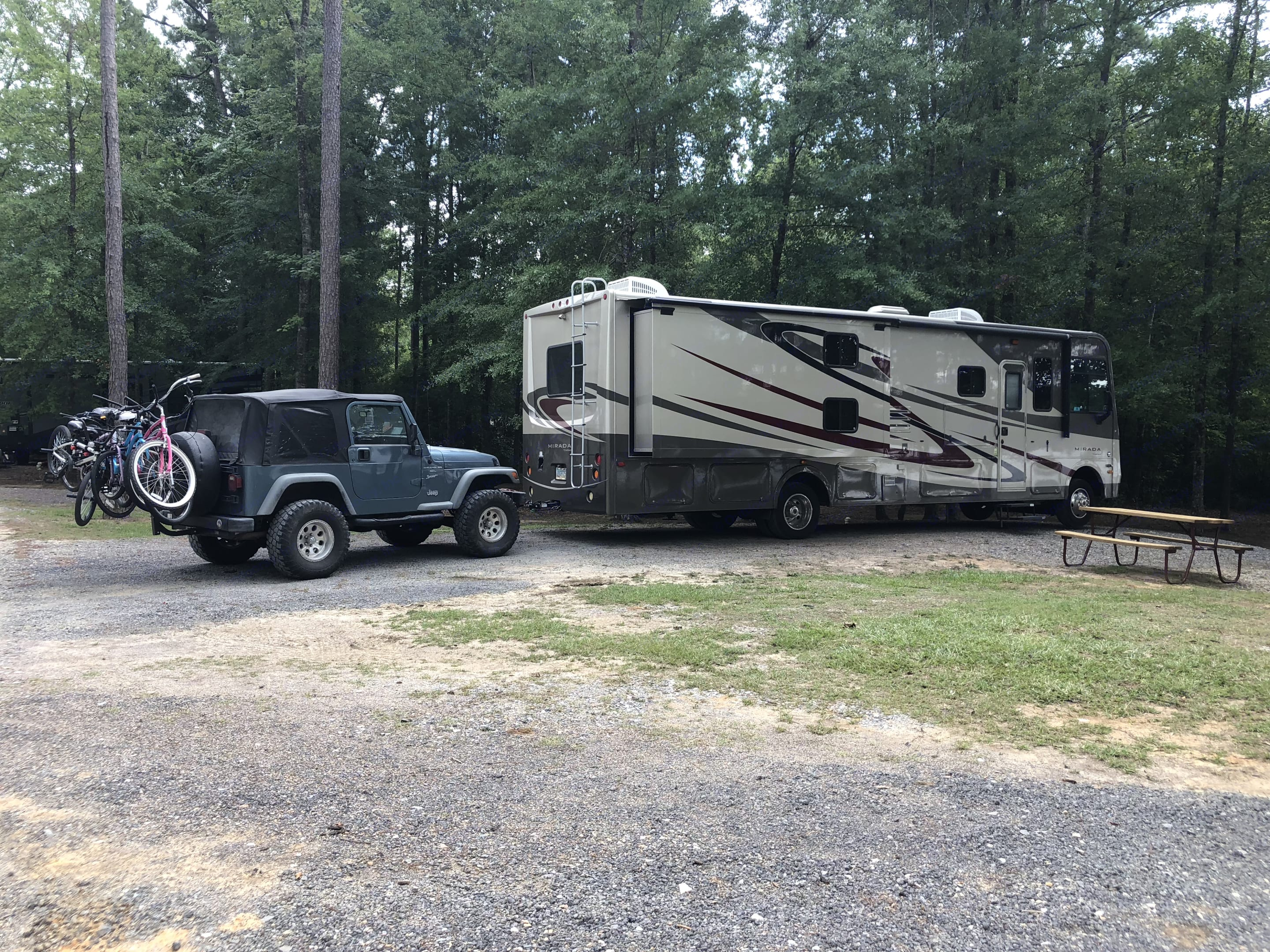 2000 Jeep Wrangler available to tow for extra charge. Coachmen Mirada 34A 2013