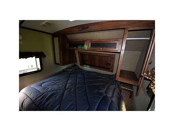 King Size Bed. Keystone Cougar Xlite 2017