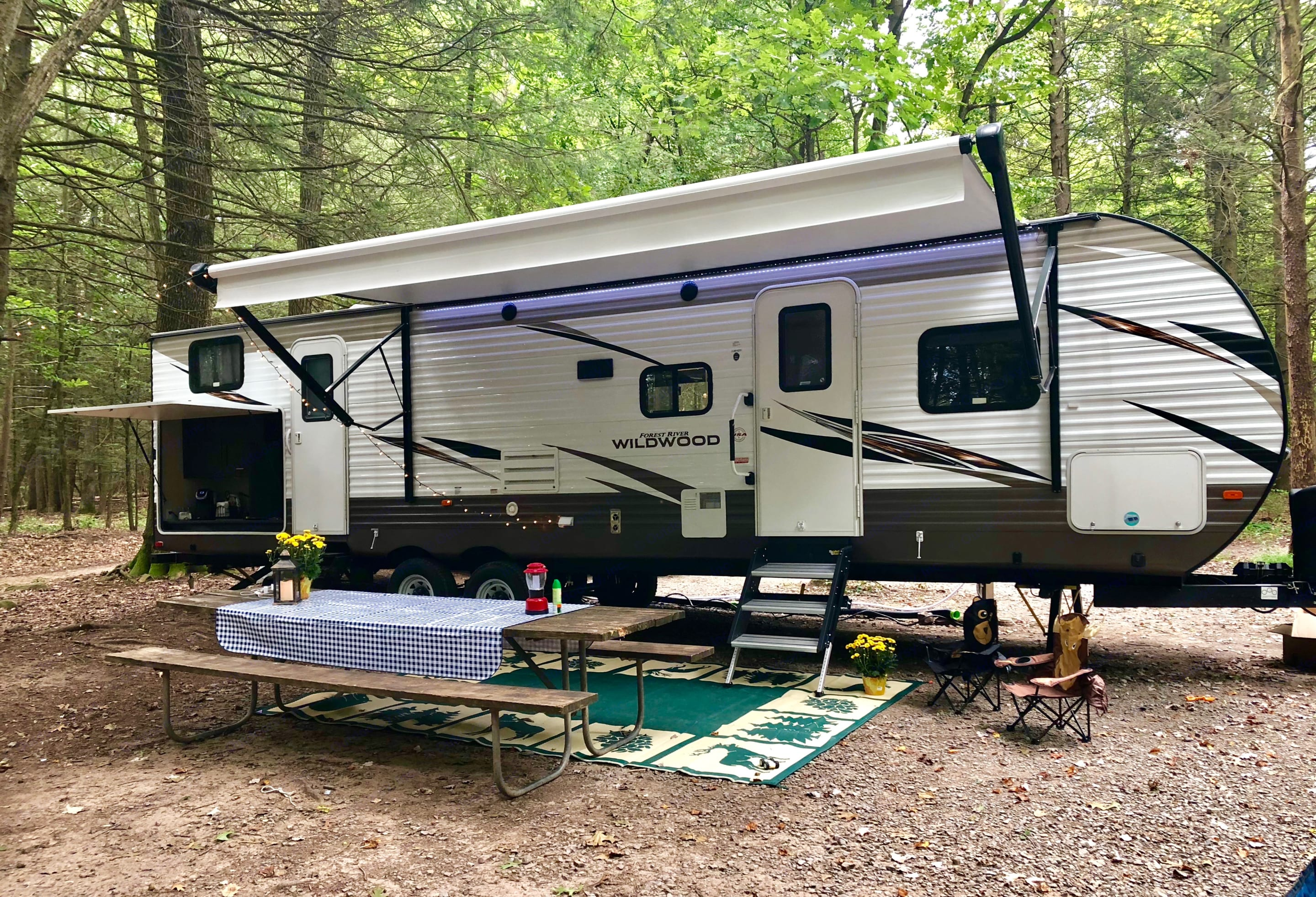 Forest River Wildwood 32BHDS 2018