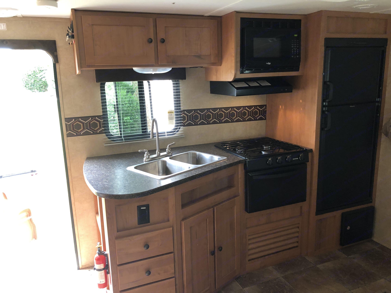 Spacious Kitchen. Cruiser Rv Corp Shadow Cruiser 2014