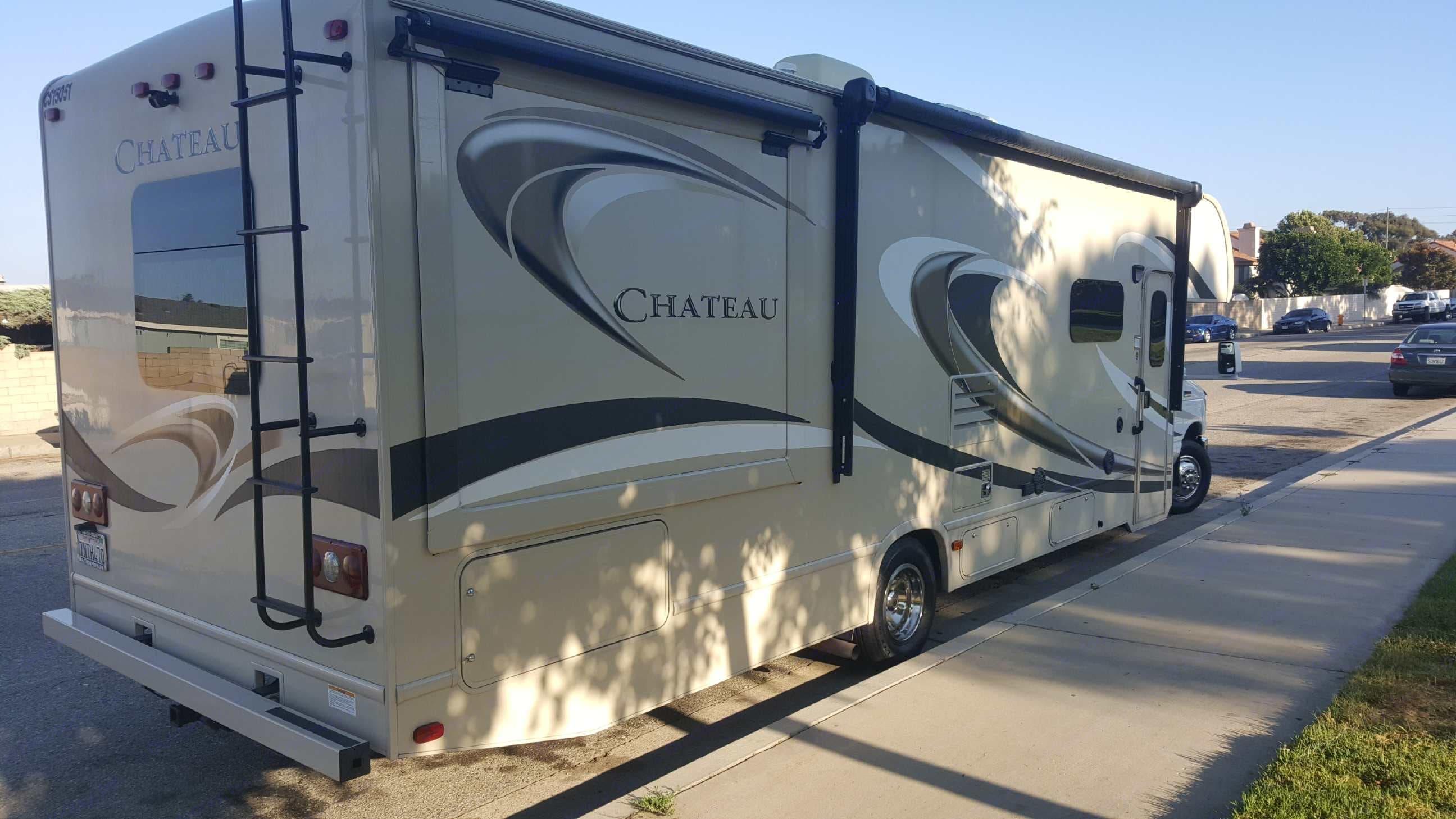 Thor Motor Coach Chateau 2015