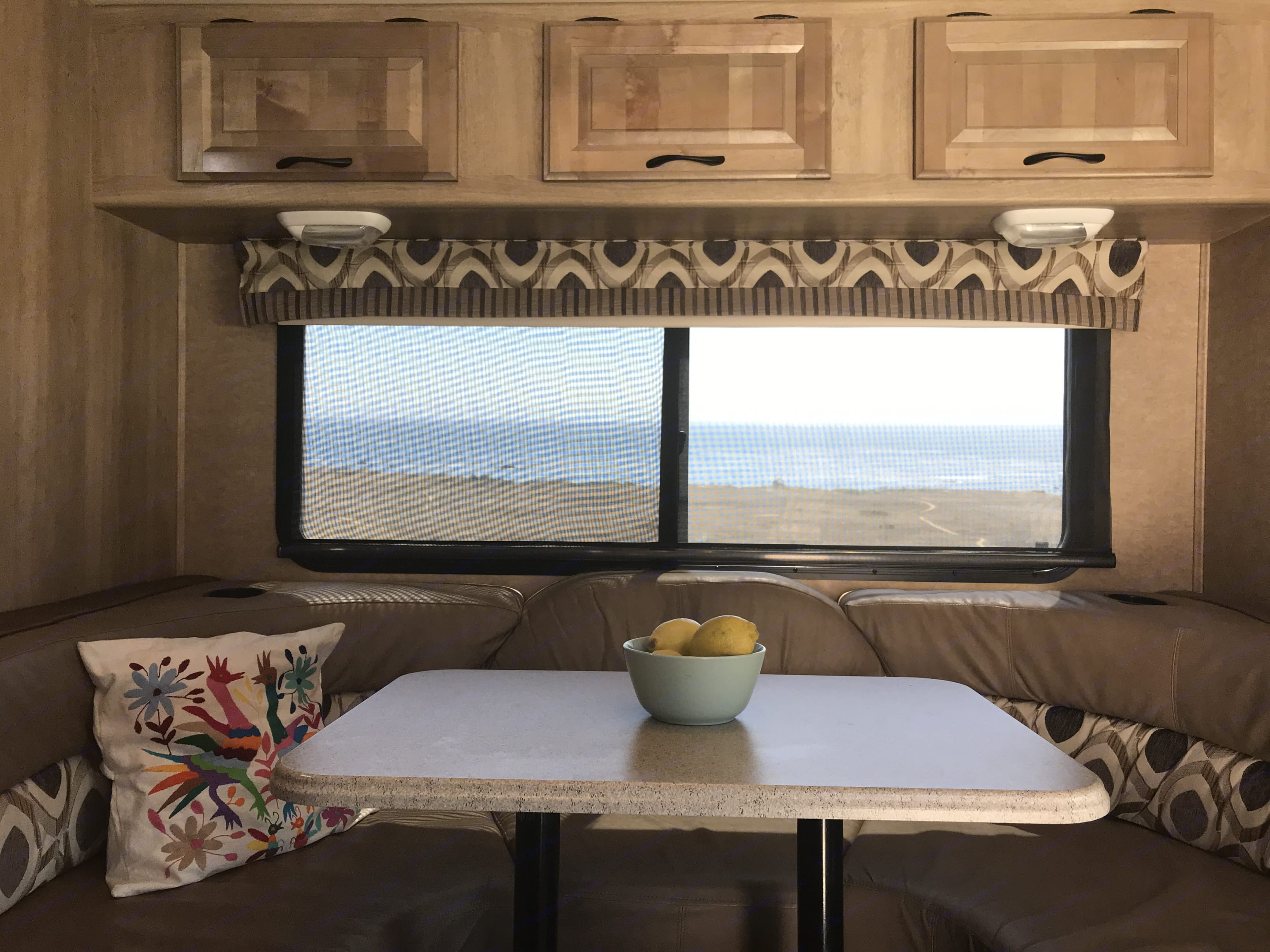 Breakfast with a view!. Coachmen Prism 2015