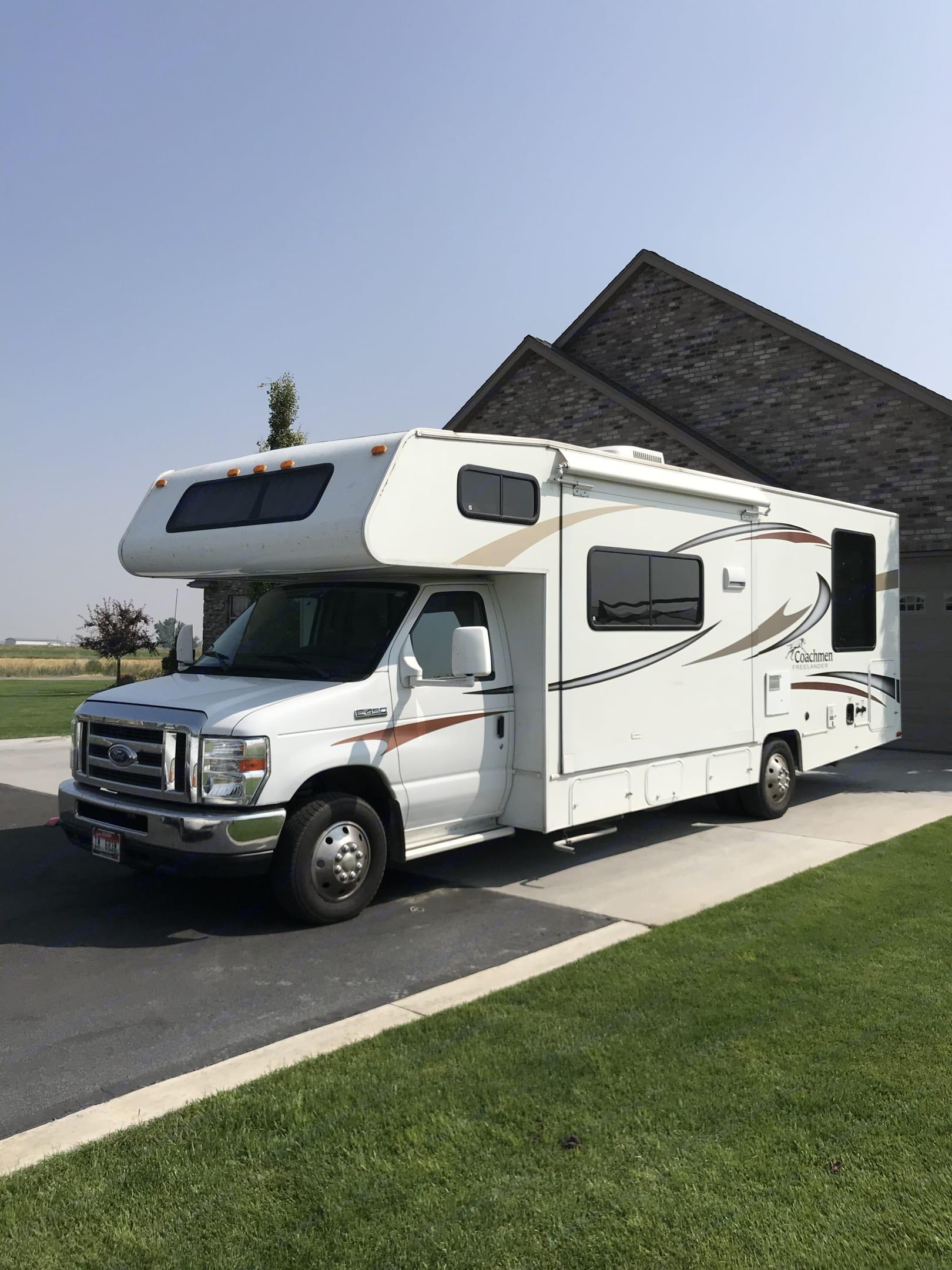 Memory maker! Come see Yellowstone and Jackson hole!. Coachmen Freelander 2013